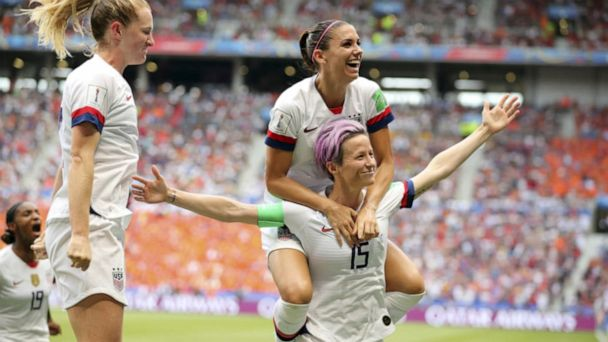 US women's soccer walks out of salary mediation