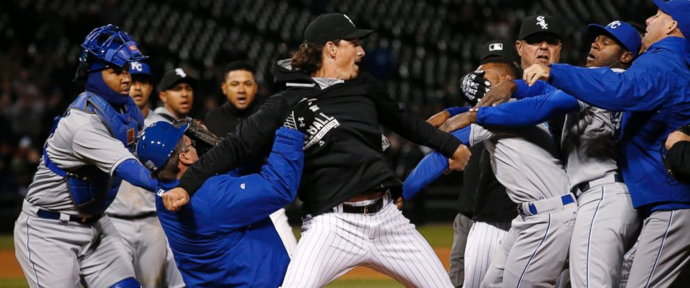 PHOTO: Chicago White Soxs Jeff Samardzija, center, fights with Kansas City Royals players during the seventh inning of a baseball game, April 23, 2015, in Chicago.