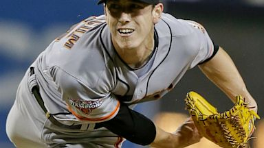 PHOTO: San Francisco Giants starting pitcher Tim Lincecum pitches in the ninth inning of his no hitter over the San Diego Padres in a baseball game in San Diego, Saturday, July 13, 2013.