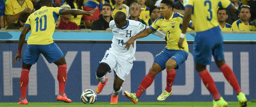 PHOTO: Honduras midfielder Boniek Garcia