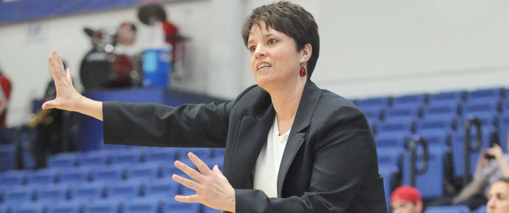 PHOTO: Head coach Kelly Greenberg of the Boston University Terriers signals to her players during a womens college basketball game, Feb. 19, 2014, at the Bender Arena in Washington.