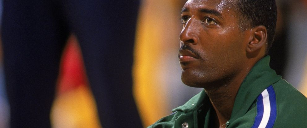 huge selection of f1ec0 bdc2e Roy Tarpley, a Talented but Troubled Basketball Player, Dies ...