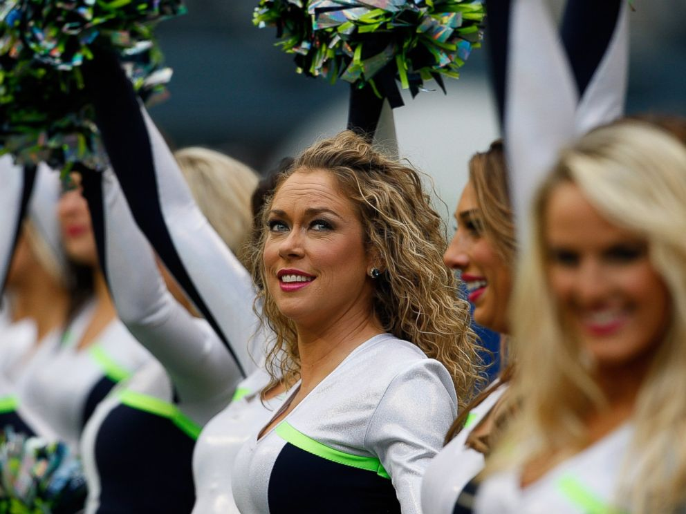 Can nfl cheerleaders dating players from other teams