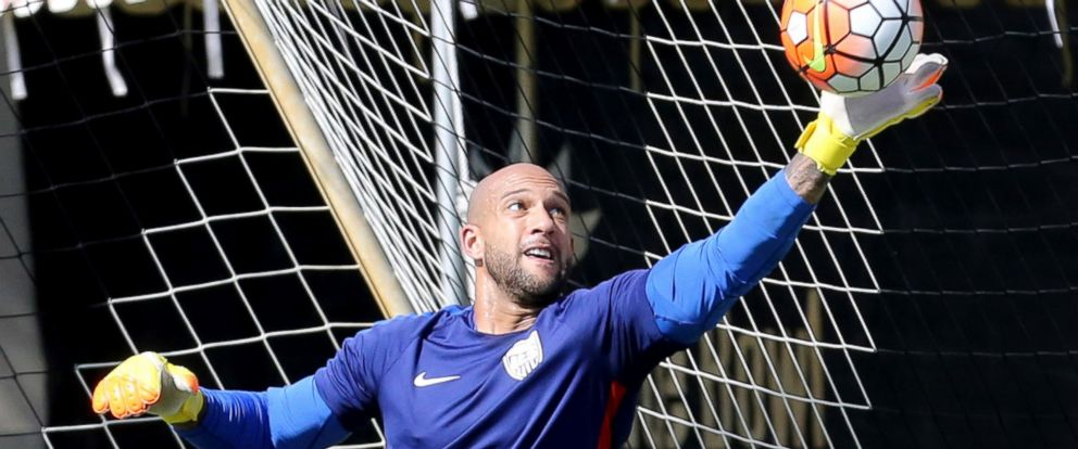 PHOTO: US National Soccer Team goalkeeper Tim Howard stops a kick during training at Barry University, Nov. 9, 2015, in Miami.