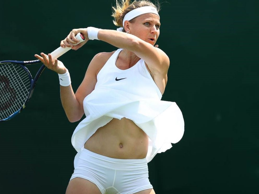 sexual álbum Mayo  Wimbledon Wardrobe Controversy and an Underdog Win in Opening Round - ABC  News
