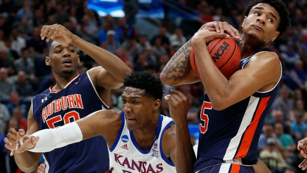 Auburn Blows Past Kansas 89 75 To Reach Sweet 16 Abc News