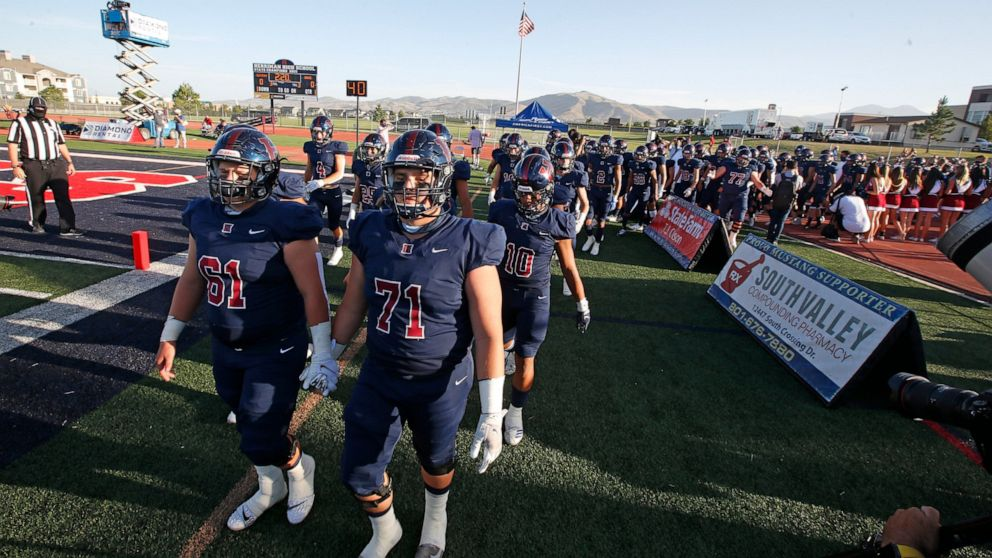 Utah high schools return to football, with virus precautions thumbnail
