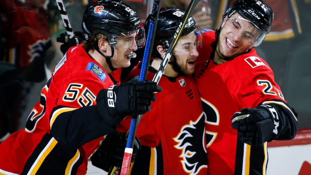 Tkachuk S 1st Hat Trick Leads Flames Past Golden Knights 6 3 Abc News