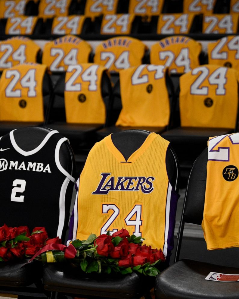 Roses for Kobe and Gianna as Lakers return to action - ABC News