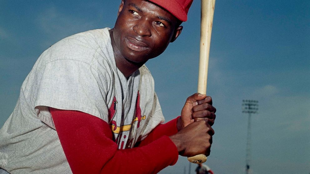 Hall of Fame outfielder, speedster Brock dies at age 81 thumbnail