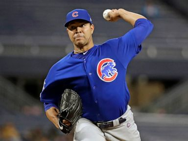 Cubs' Quintana cuts thumb washing dishes, undergoes surgery