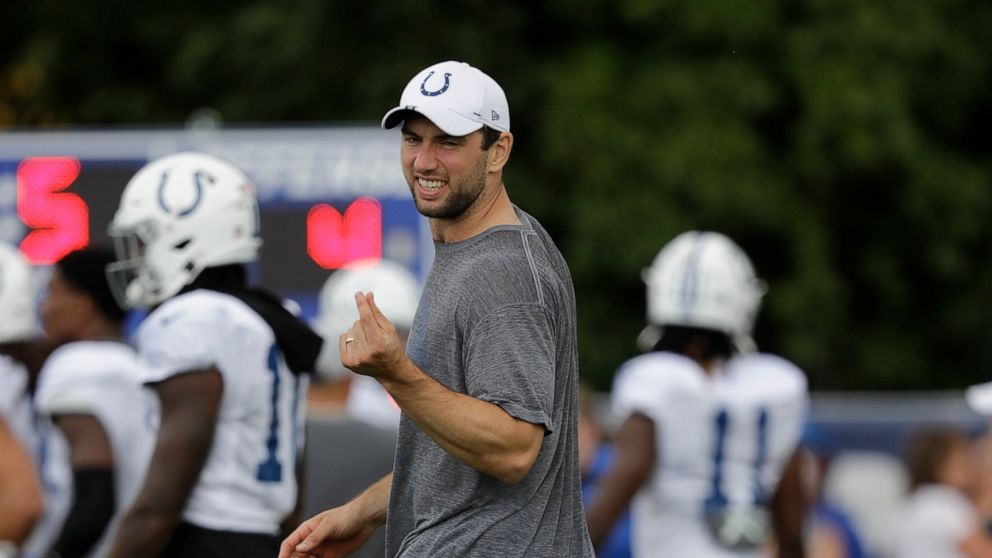 Luck announces retirement following Colts loss to Bears thumbnail