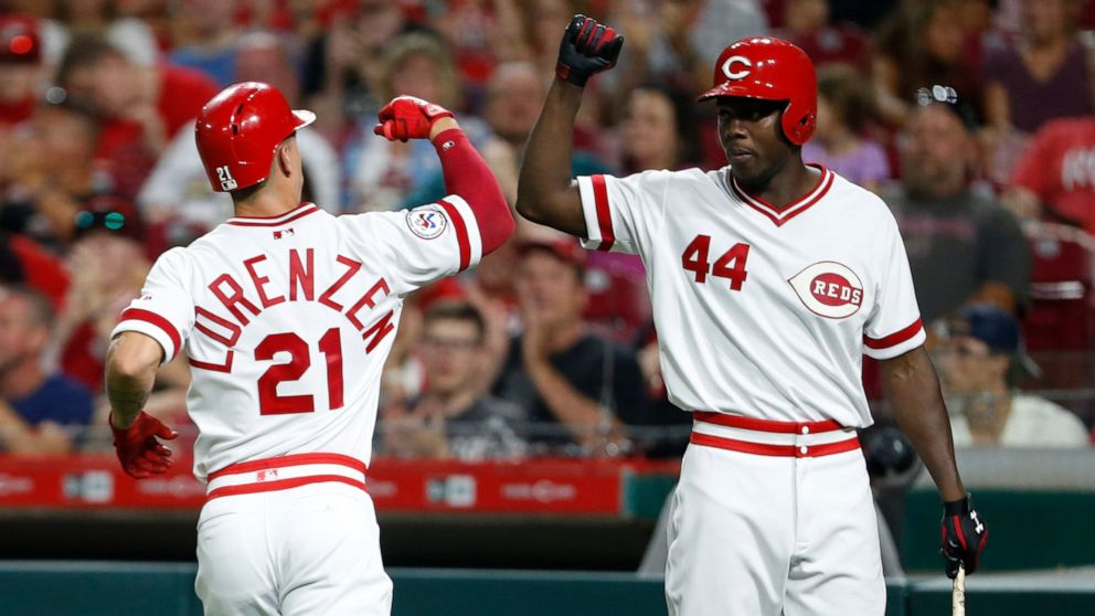 Aquino, Reds drop Cards into first-place tie with 6-1 win - ABC News