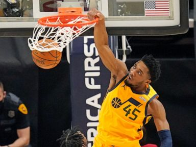 Jazz set records for 3s in 132-110 rout of Hornets