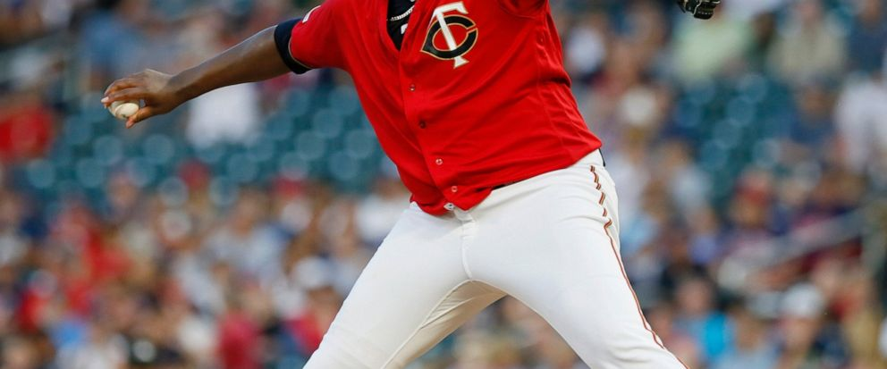 Indians use 4-run 11th to top Twins 6-2, cut lead to 5½
