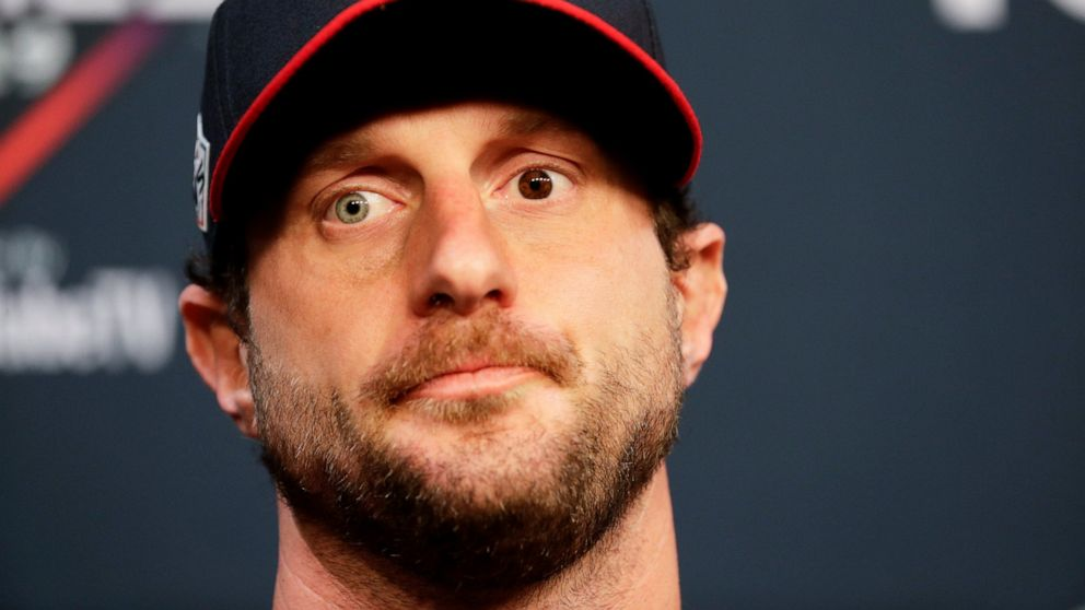 The eyes have it: Scherzer embraces 2 different eye colors thumbnail