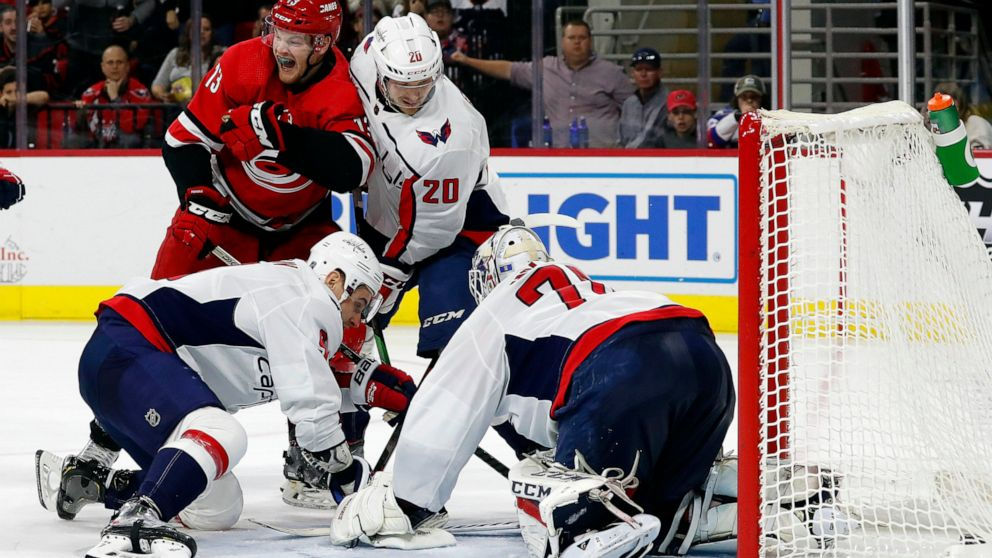 Foegele Hurricanes Stay Hot Against Capitals In 6 4 Win Abc News