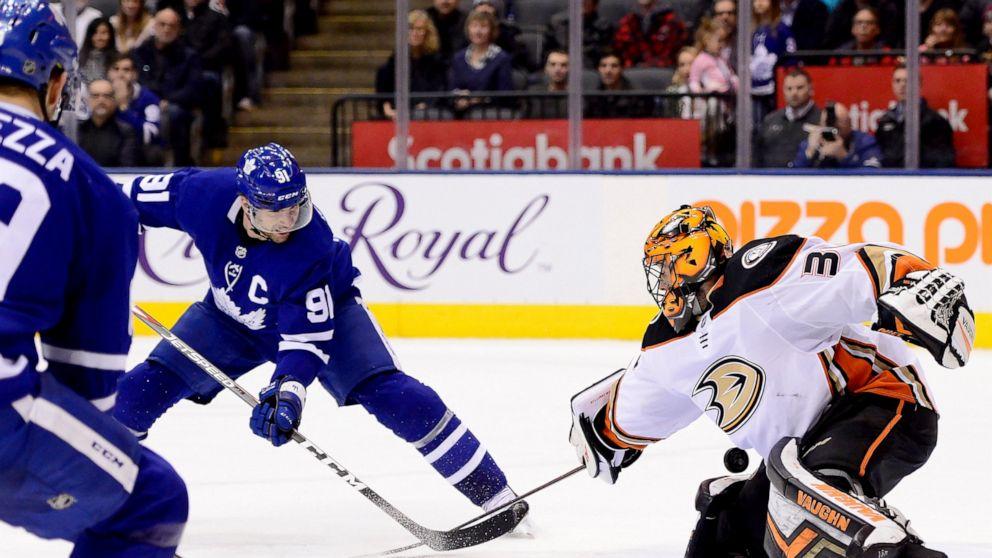 Tavares Scores Ot Winner To Lift Maple Leafs Past Ducks 5 4 Abc News