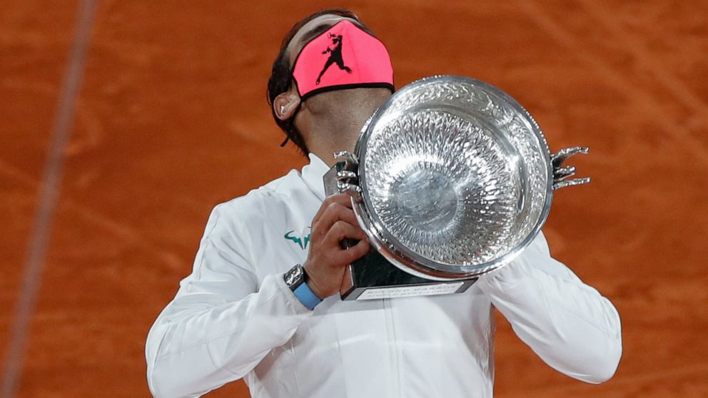 Perfect In Paris Nadal Overwhelms Djokovic To Tie Federer Abc News