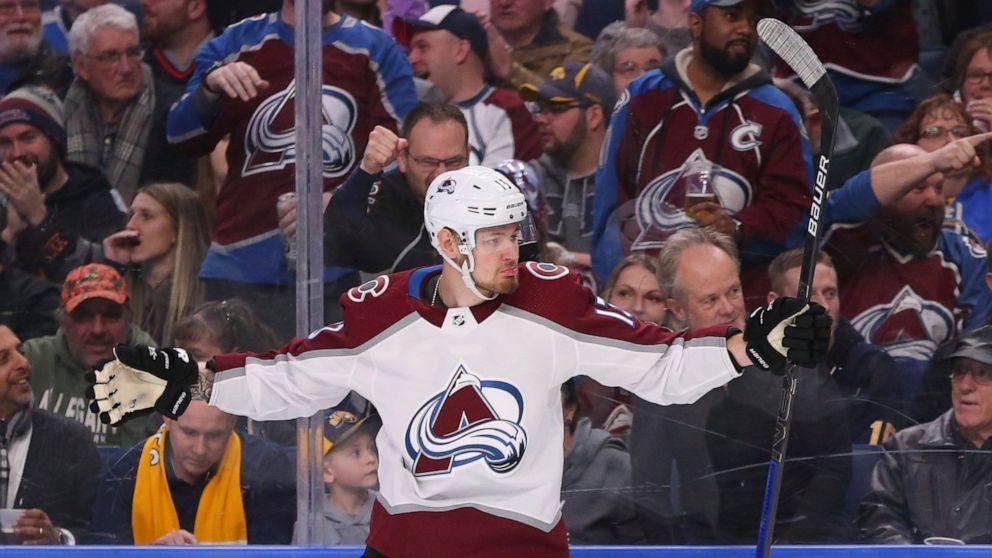 Burakovsky, fluke goal, spark Avalanche's 6-1 rout of Sabres