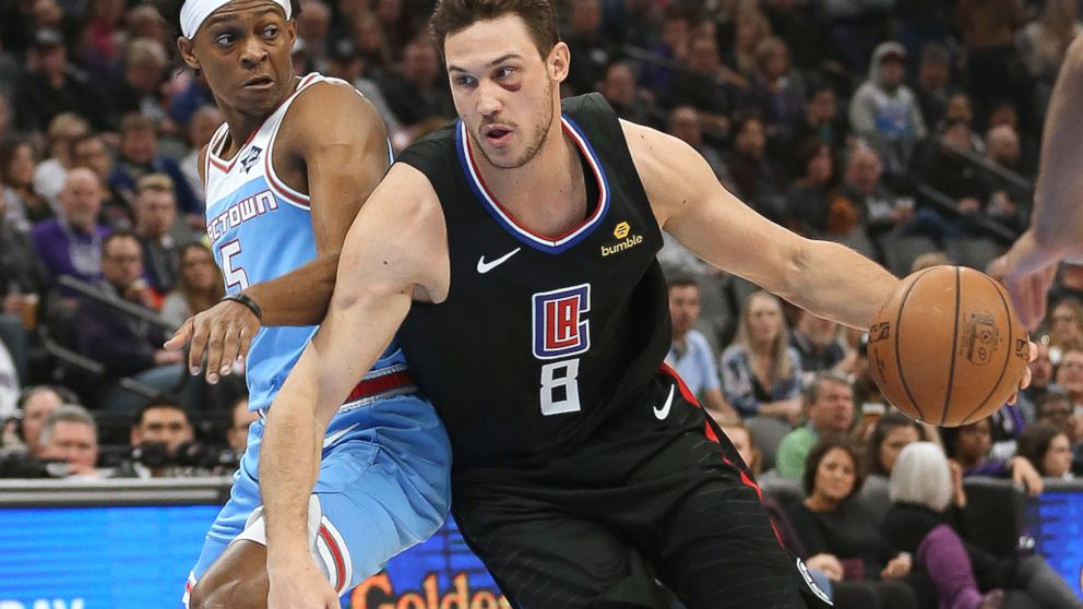 Clippers hold off Kings 116-109 to improve playoff position - ABC News fee137bf9