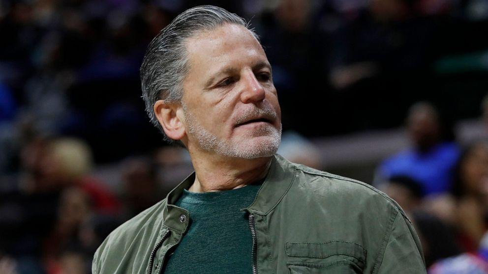 Cavs owner Dan Gilbert suffers stroke, remains in hospital thumbnail