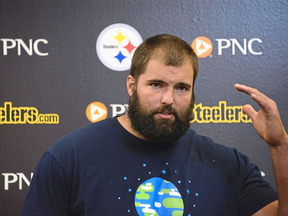 PHOTO: Pittsburgh Steelers left tackle Alejandro Villanueva speaks to reporters, Sept. 25, 2017, in Pittsburgh about the teams NFL football game the day before against the Chicago Bears.