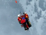PHOTO: United States? Lindsey Vonn is airlifted after crashing during the womens super-G course, at the Alpine skiing world championships in Schladming, Austria, Feb.5, 2013. Lindsey Vonn has been helicoptered to hospital from the Alpine skiing world cha