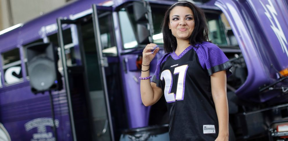 Dad's 'Nice' Fix to Daughter's Ray Rice Jersey Goes Viral