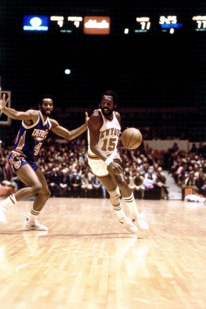 PHOTO: Earl The Pearl Monroe #15 of the New York Knicks drives to the basket against the Detroit Pistons during an NBA game at Madison Square Garden in New York, 1980.