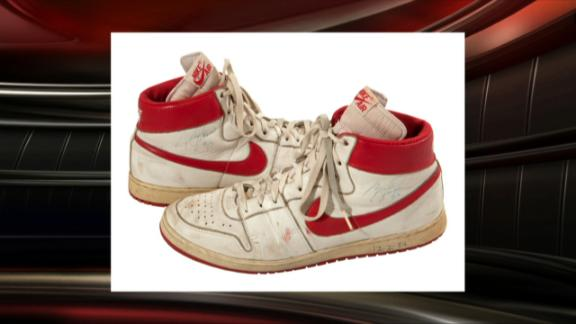 uk availability 96238 45cba Michael Jordan s  84 shoes to auction