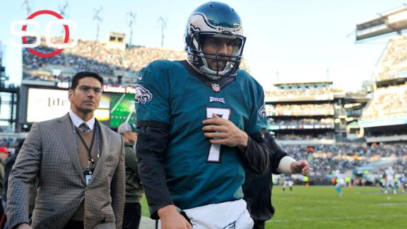 6fa593964ee Eagles QB Sam Bradford has separated shoulder in addition to concussion