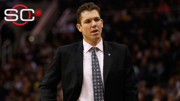 5f0d5561931 Luke Walton named NBA Coach of the Month despite being 'winless ...