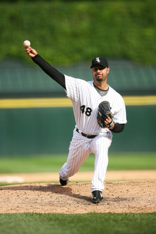 PHOTO: Esteban Loaiza of the Chicago White Sox pitches during a game against the Minnesota Twins in Chicago on June 8, 2008.
