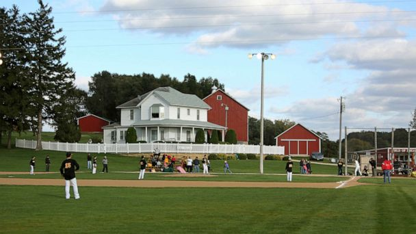 Yankees, White Sox to play game at 'Field of Dreams' in Iowa