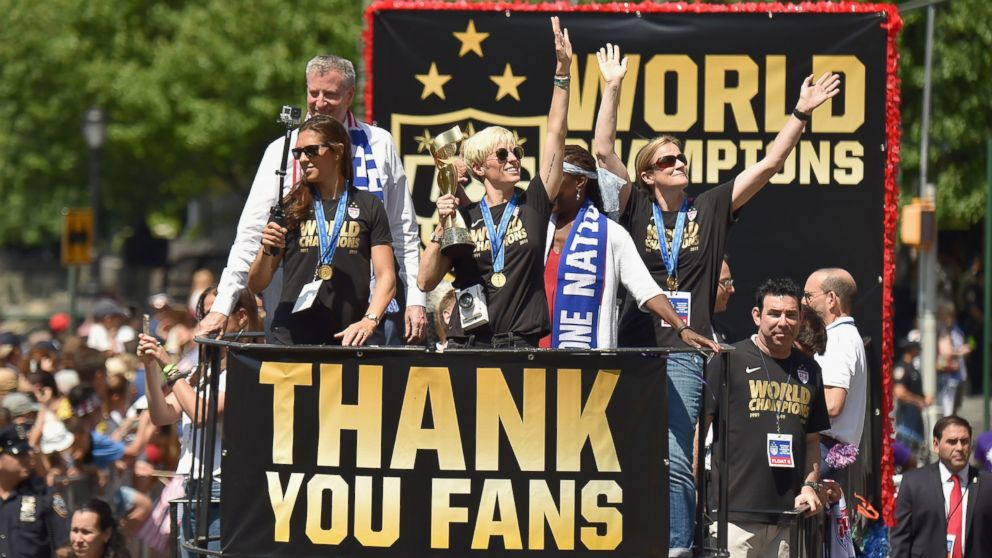 ae9f5766 US Women's Soccer Team Parades Down NYC's 'Canyon of Heroes' - ABC News