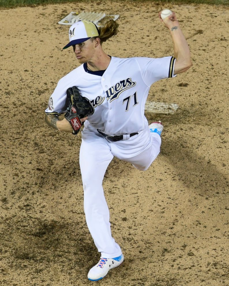 Brewers' Josh Hader Apologizes After Racist, Homophobic Old Tweets Surface