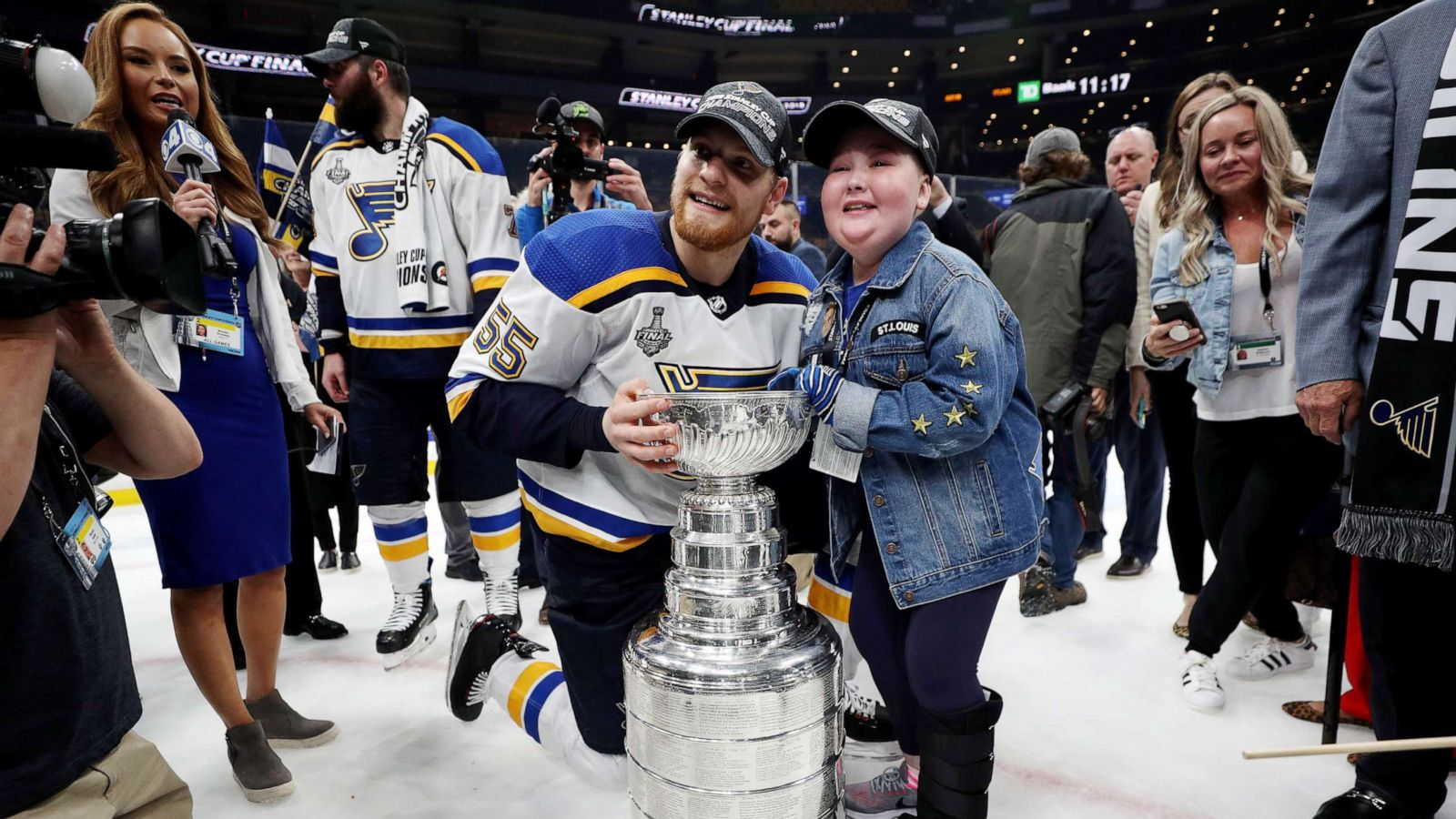 11 Year Old St Louis Blues Superfan With Rare Illness Given