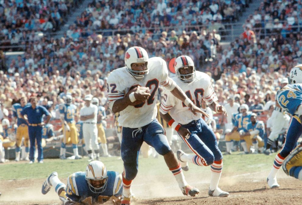 PHOTO: O.J. Simpson of the Buffalo Bills runs during a game against the San Diego Chargers in San Diego.