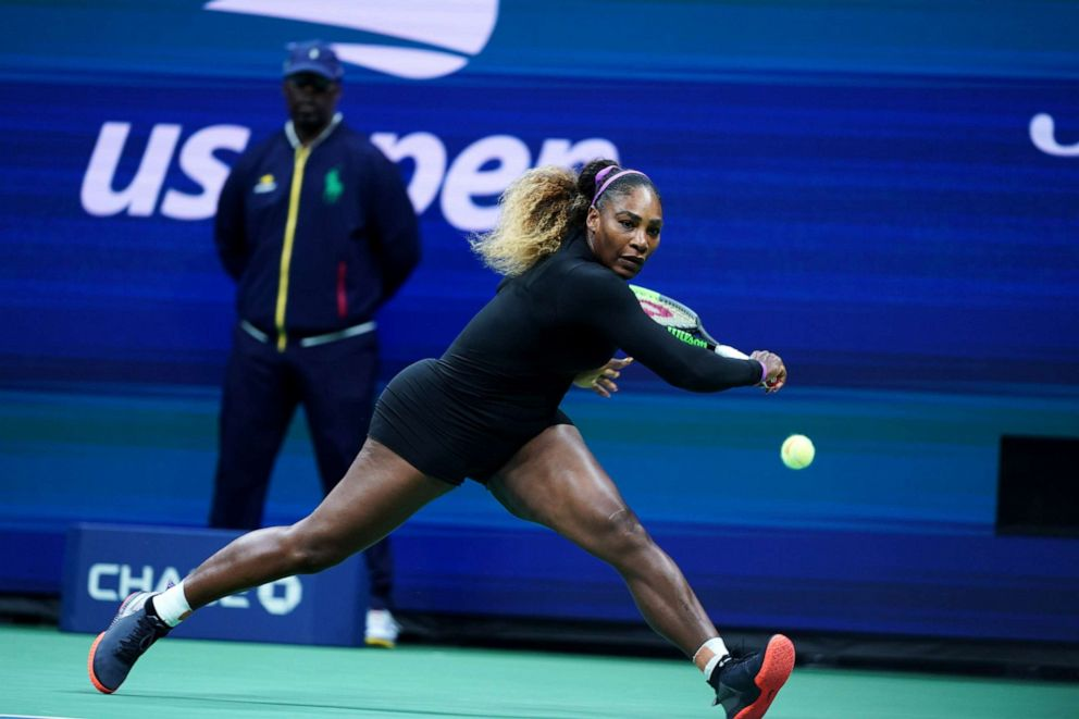 Serena Williams\u0027 US Open bodysuit turns heads during win