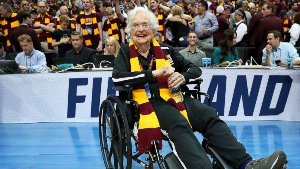 Loyola's Sister Jean prays for basketball team's opponents too, but 'not as hard' | ABC News