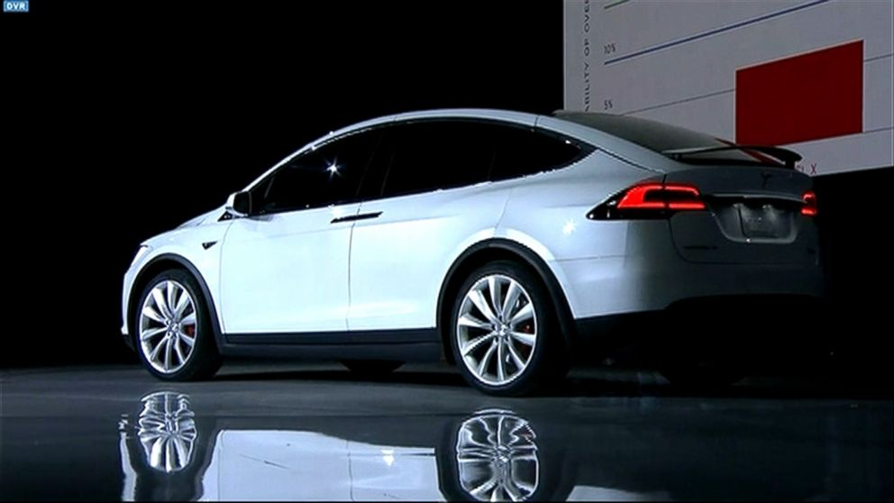Buffering Replay Tesla S Model X Unveiled