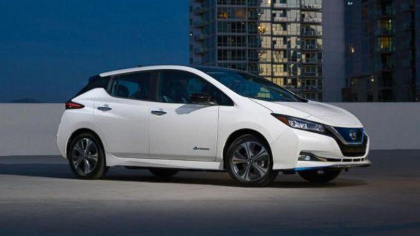 Nissan unveils new LEAF at CES