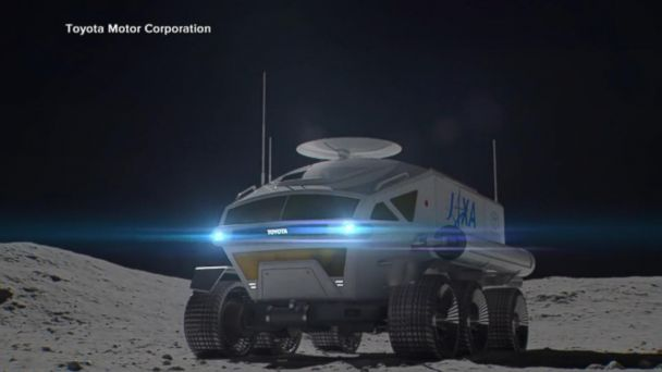 Toyota unveils an SUV for the moon