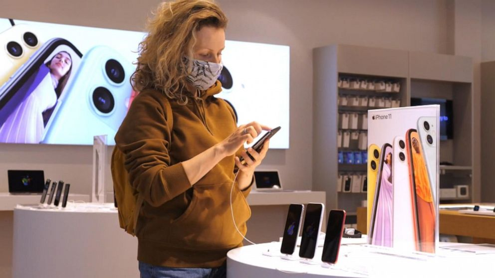 Apple reportedly ending mask requirements for vaccinated customers at most stores