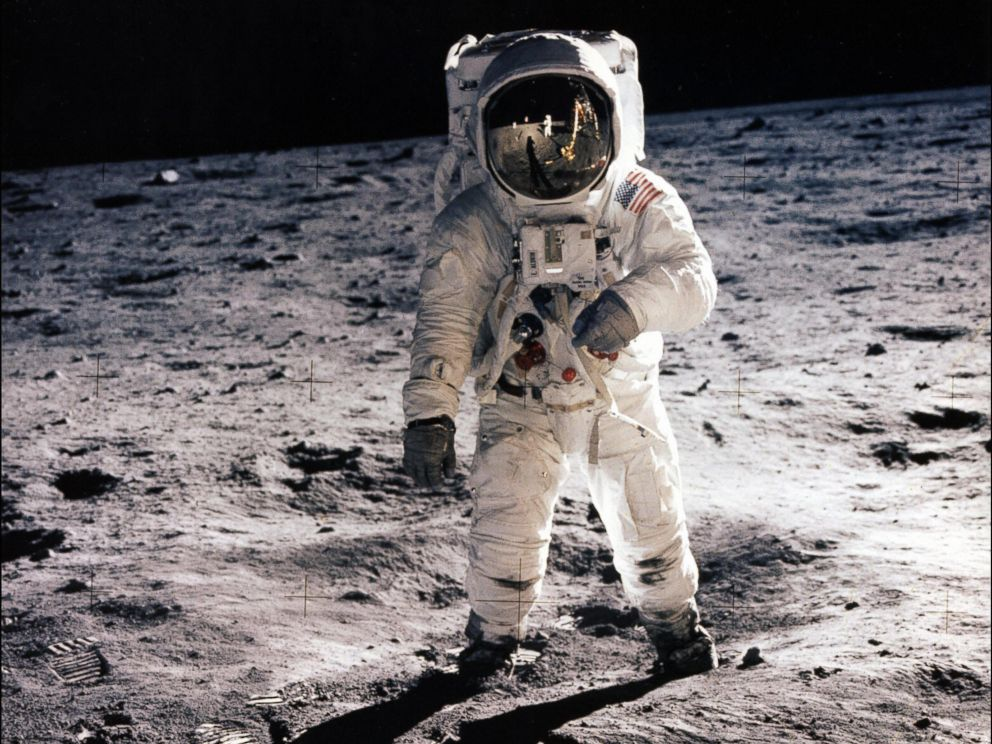 12 men who walked on the Moon