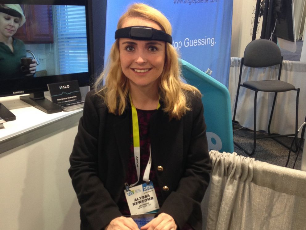 PHOTO: ABC News tech editor Alyssa Newcomb tries out Halo, a headband that senses muscle tension.