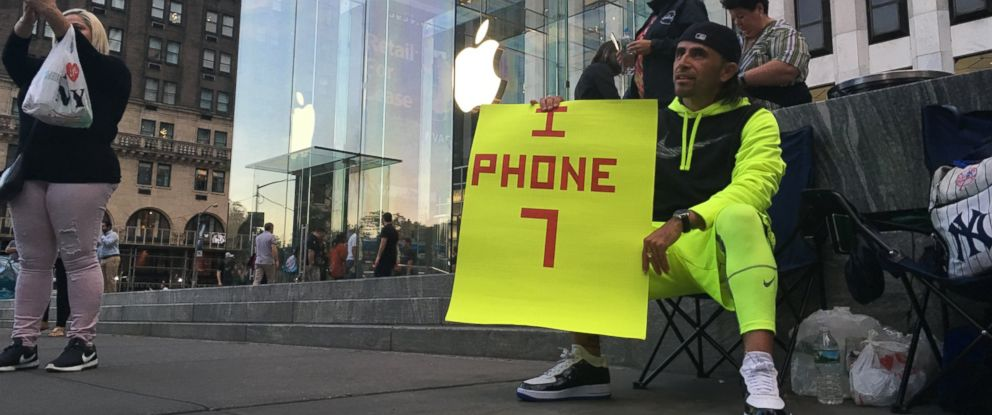 PHOTO: Jaime Gonzalez, a truck driver from New York, was the first in line for a new iPhone 7 at Apples 5th Avenue retail store in New York City. Gonzalez said he had been in line since August 25th.