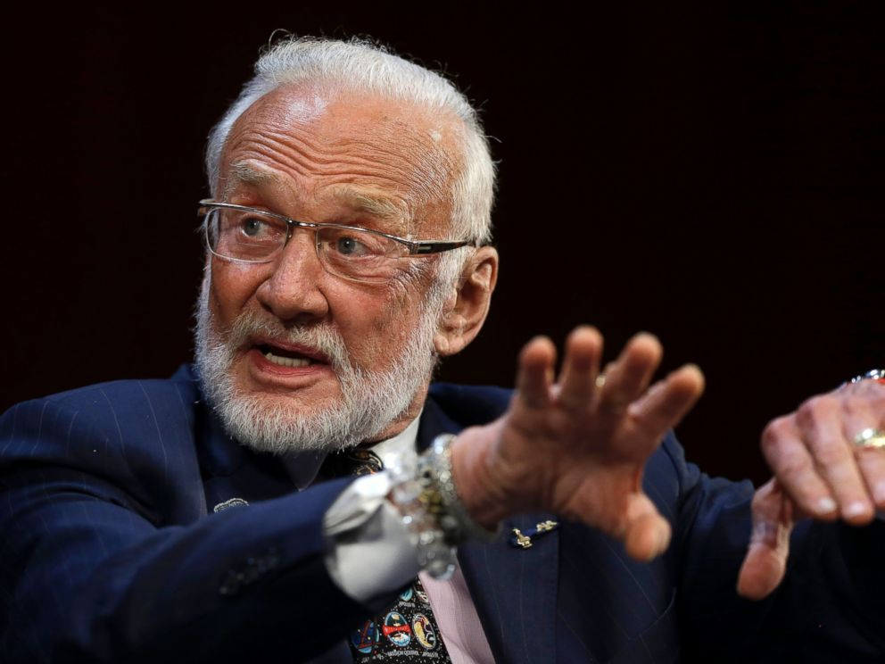 PHOTO:Apollo 11 astronaut Buzz Aldrin, speaks on the campus of Massachusetts Institute of Technology, Oct.22, 2014,in Cambridge, Mass.