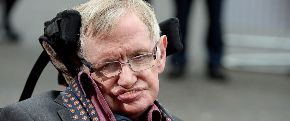 """PHOTO: Stephen Hawking attends """"Interstellar Live"""" at Royal Albert Hall on March 30, 2015 in London."""